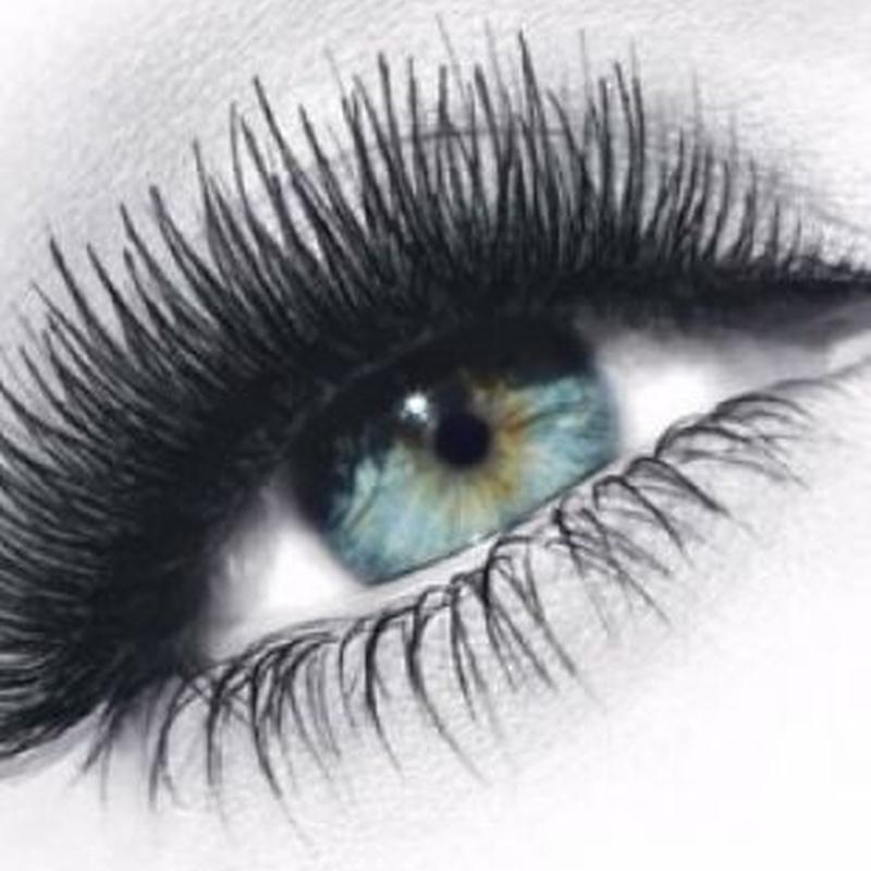 Permanente y tinte de pestañas: Tratamientos de Rosana Montiano - Salón de Belleza