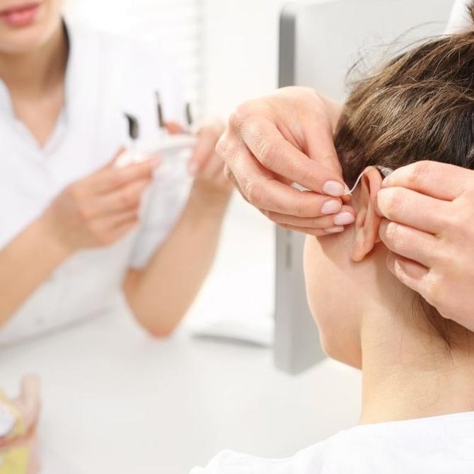 Compra de audífonos y examen de tus oídos