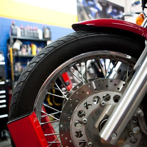 Cambio de neumáticos en motos