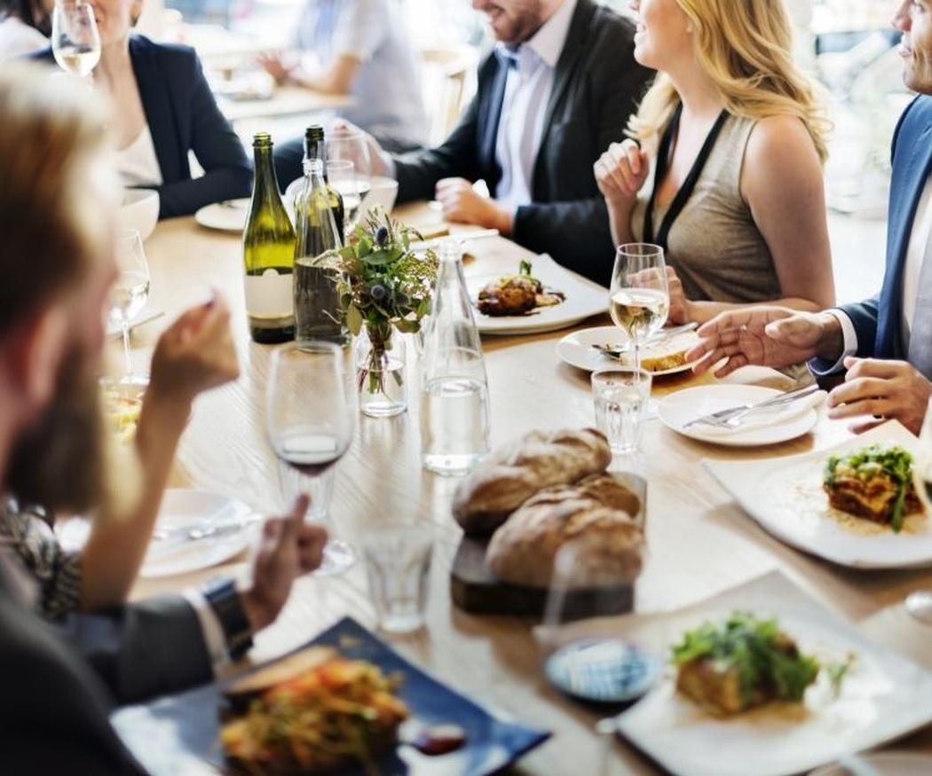 Las cenas de empresa son una inversión productiva