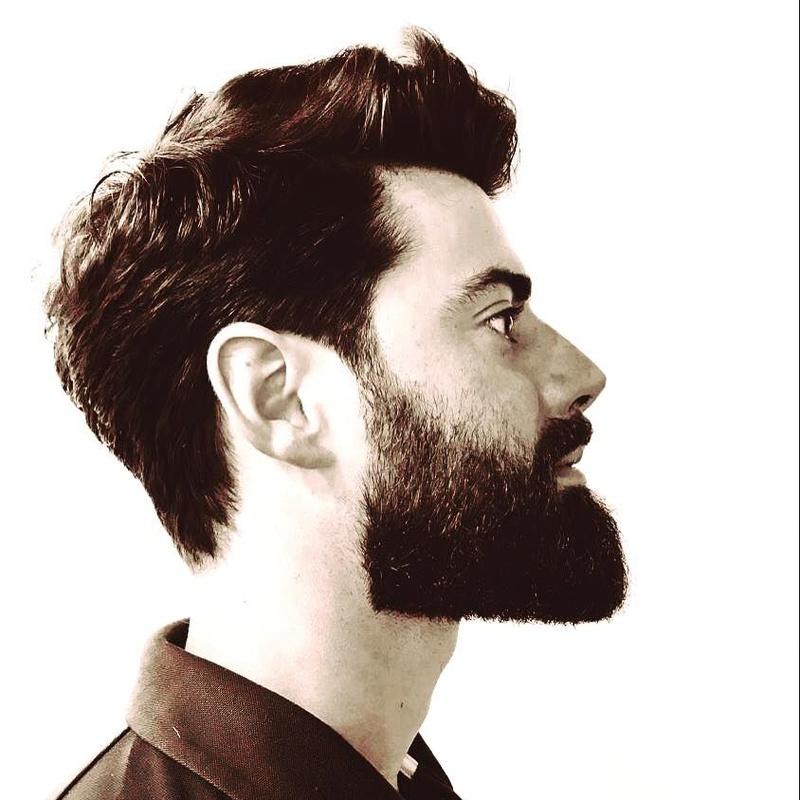 Afeitados y arreglos de barba: Servicios de J. Ràfols Perruquers