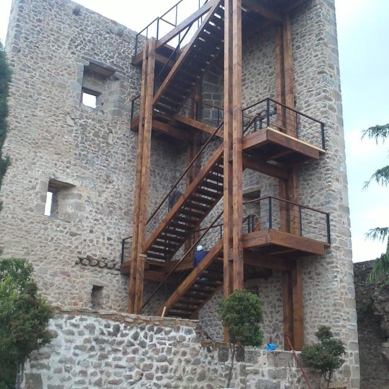 Escaleras de madera para edificios