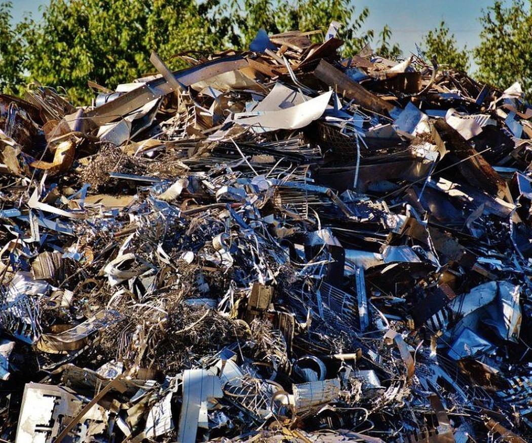 ¿Por qué es bueno recoger y reciclar la chatarra?