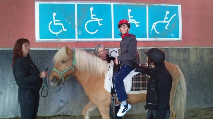 Atención social: Servicios de Centro de Equitación y Equinoterapia Biki Blasco