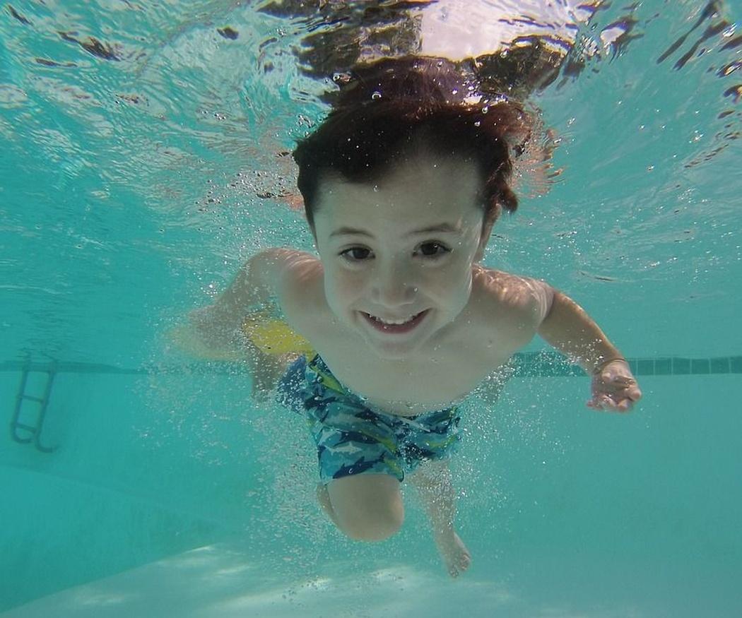 La importancia del cloro en tu piscina
