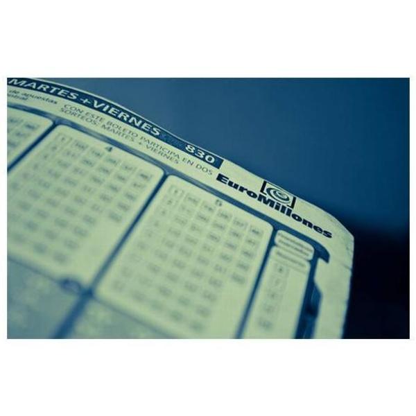 Lotería y Apuestas: Servicios de Administración de Loterías nº 13 Pz. Santa Catalina