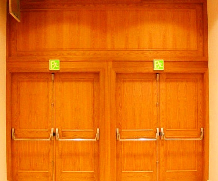 Puertas cortafuegos batientes de madera
