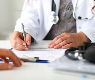 Seguimos abiertos y prestando atención médica privada.