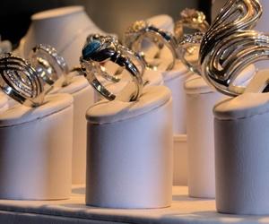 Taller de reparaciones de joyas de oro en Vic