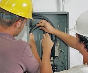 Mantenimientos eléctricos para comunidades
