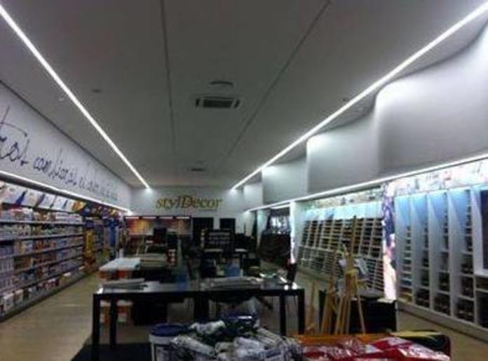 Falso techo continuo para sala de demostración de pinturas en Ondara (Terminado)