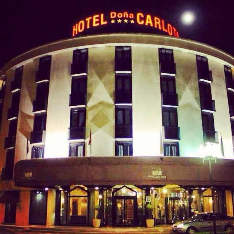 Apartamentos: Productos y Servicios de Hotel Doña Carlota ****