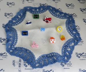 Hilos, bieses, cintas,  elásticos variados, imperdibles, agujas, botones, cremalleras...