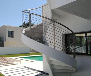 Escalera exterior de acero inoxidable