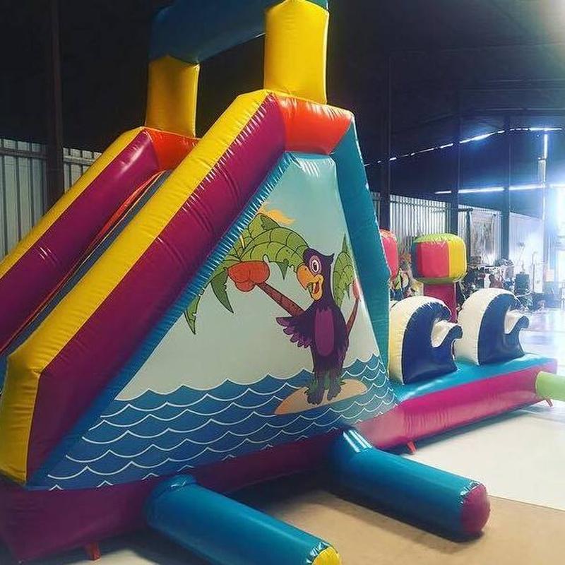 Castillo hinchable tobogán acuático : Catálogo de Hinchables Happy Jump