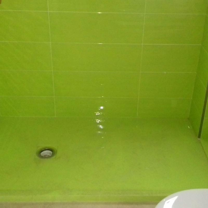 Cambio de bañera por plato de ducha y reforma en baños: Trabajos de Reformas y Construcciones Cabrera