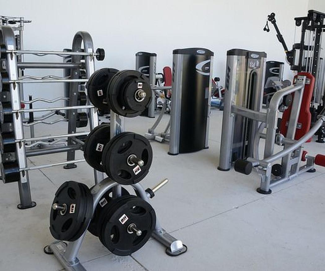 Mejora tu salud acudiendo al gimnasio