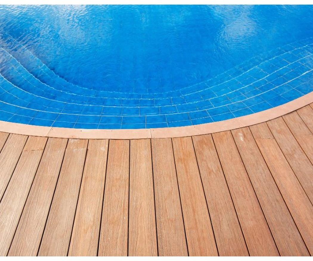 La reparación de la tarima de tu piscina