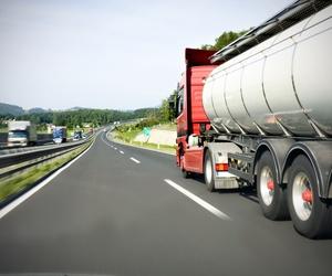 transporte de camiones cisterna de hidrocarburos en Bizkaia
