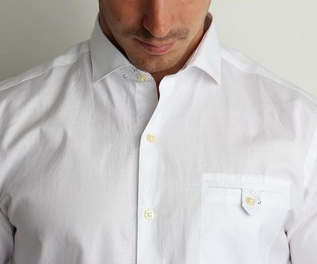 Las camisas básicas que no te pueden faltar en tu fondo de armario