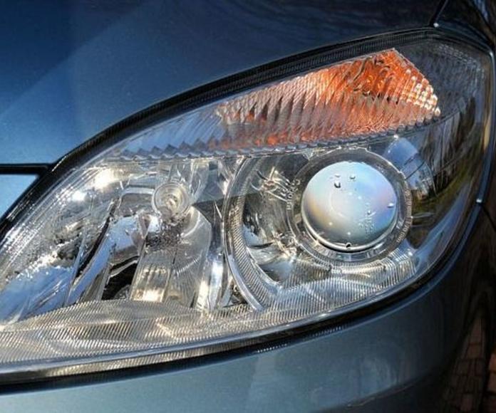 Servicio de luces: Servicios  de Taller Mecánico Moreno Motor