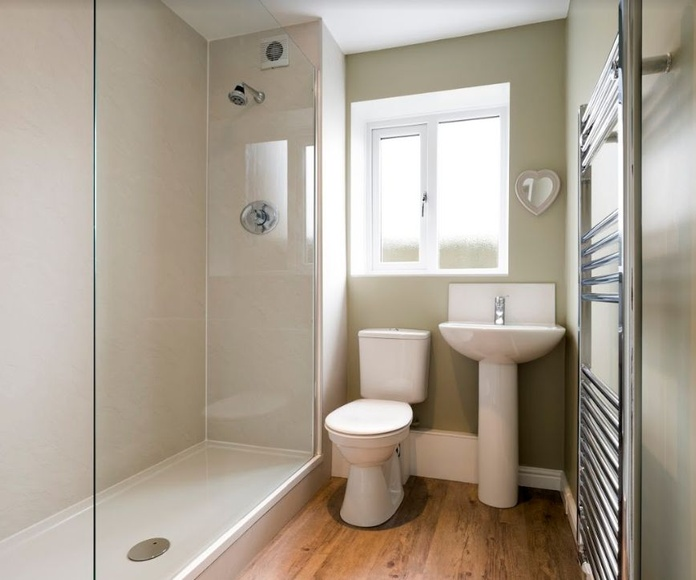 Cambio de bañera por plato de ducha: Servicios especializados de B&G Reformas y Construcciones