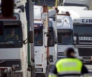 Los transportistas reclaman 2.500 millones al cártel de camiones