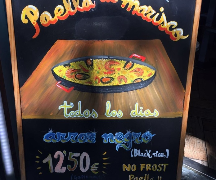 Paella: Especialidades y platos  de Restaurante Charrito