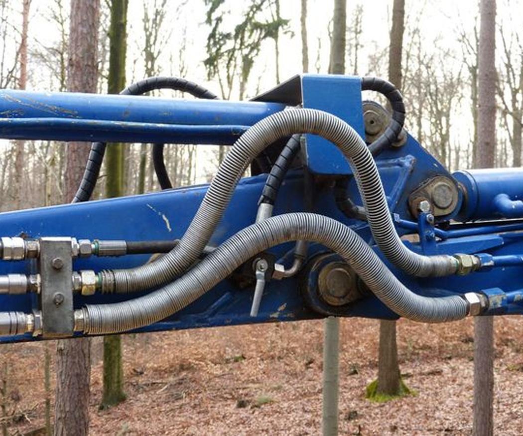 Qué son y para qué sirven los latiguillos hidráulicos