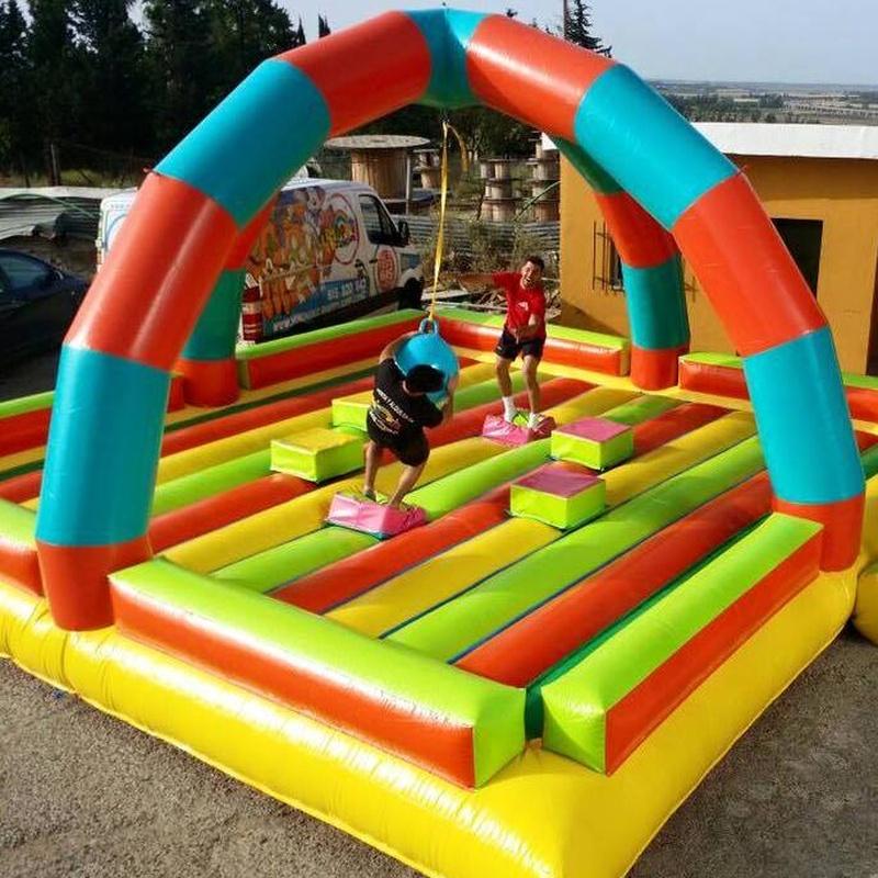 Castillo Hinchable Gladiadores: Catálogo de Hinchables Happy Jump