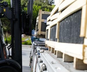 logistica y transporte- servicio y entrega en destino - Transport and logistic delivery at destination- logistique et transport livraison à destination