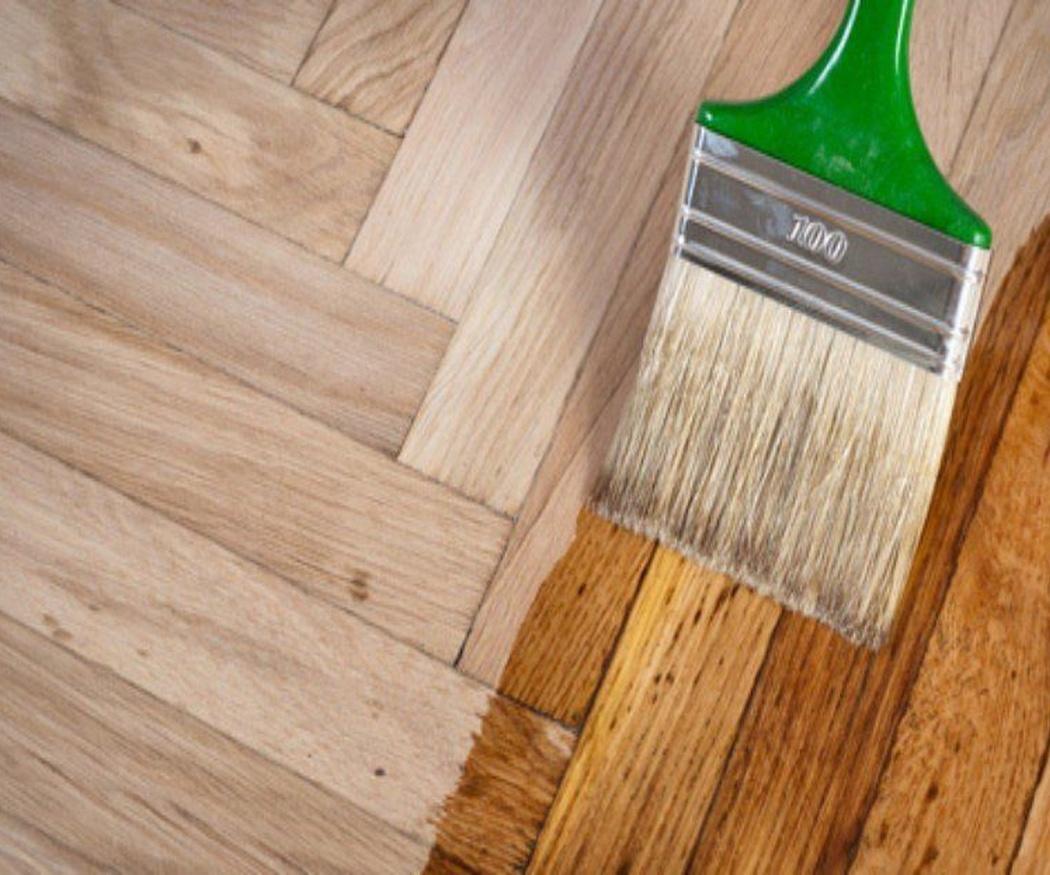Cambiar el color del suelo sin levantar el parquet