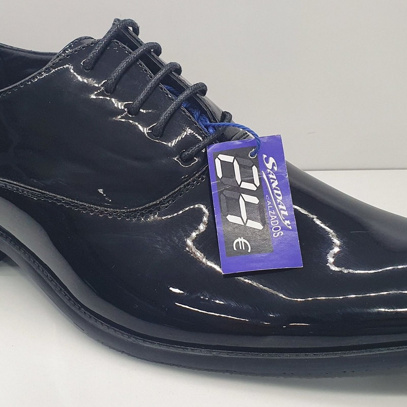 zapato charol brillo moda joven