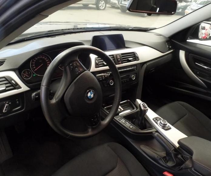 BMW Serie 3 318d Touring (8551-HNF): Servicios Peugeot de Senra Sport