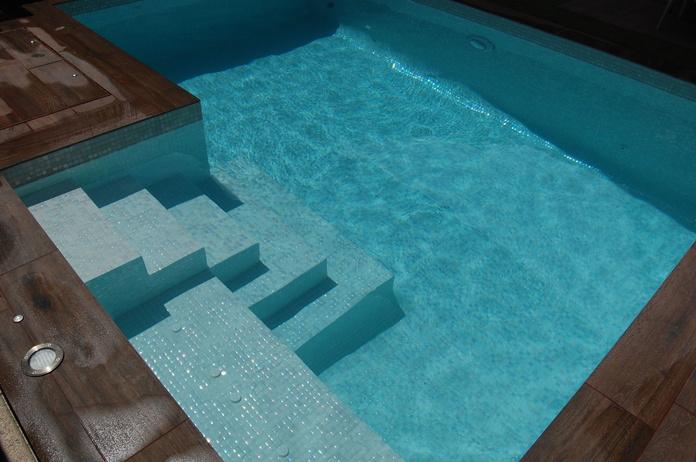 piscina de obra a medida en Madrid|default:seo.title }}