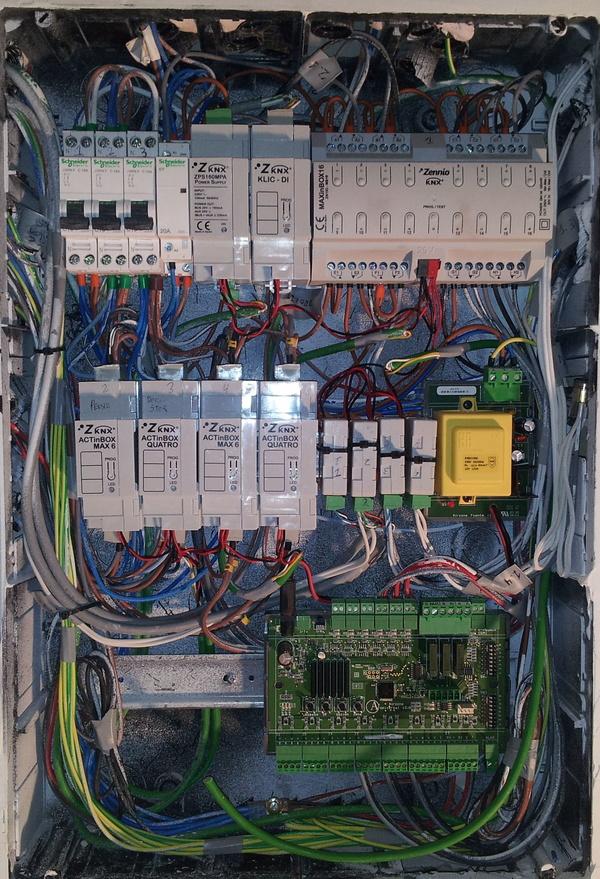 Viviendas realizadas con KNX y componentes del fabricante español Zennio.