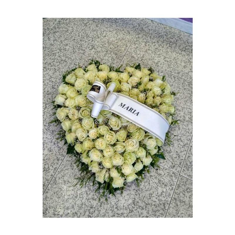 Corazón encima de la caja: Catálogo de FLORISTERÍA JOMACO  Tanatorio As Burgas