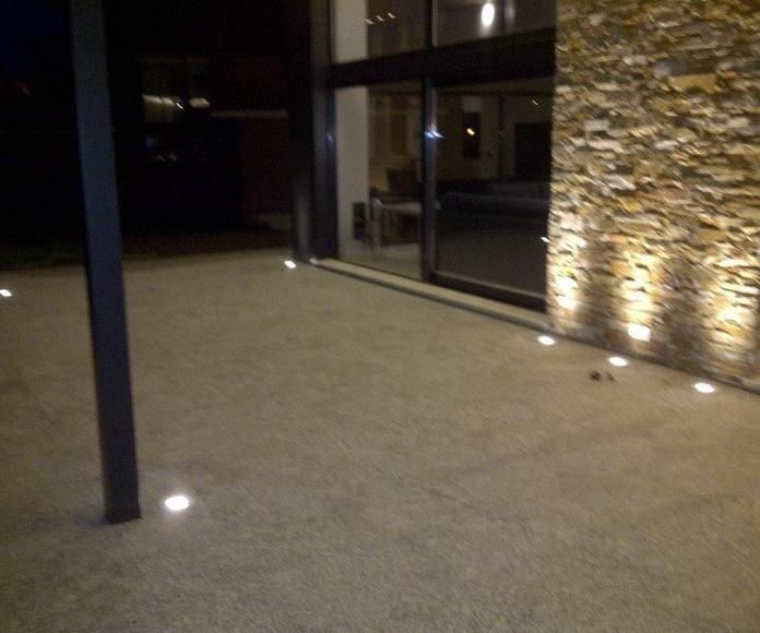 Iluminación exterior. en terraza