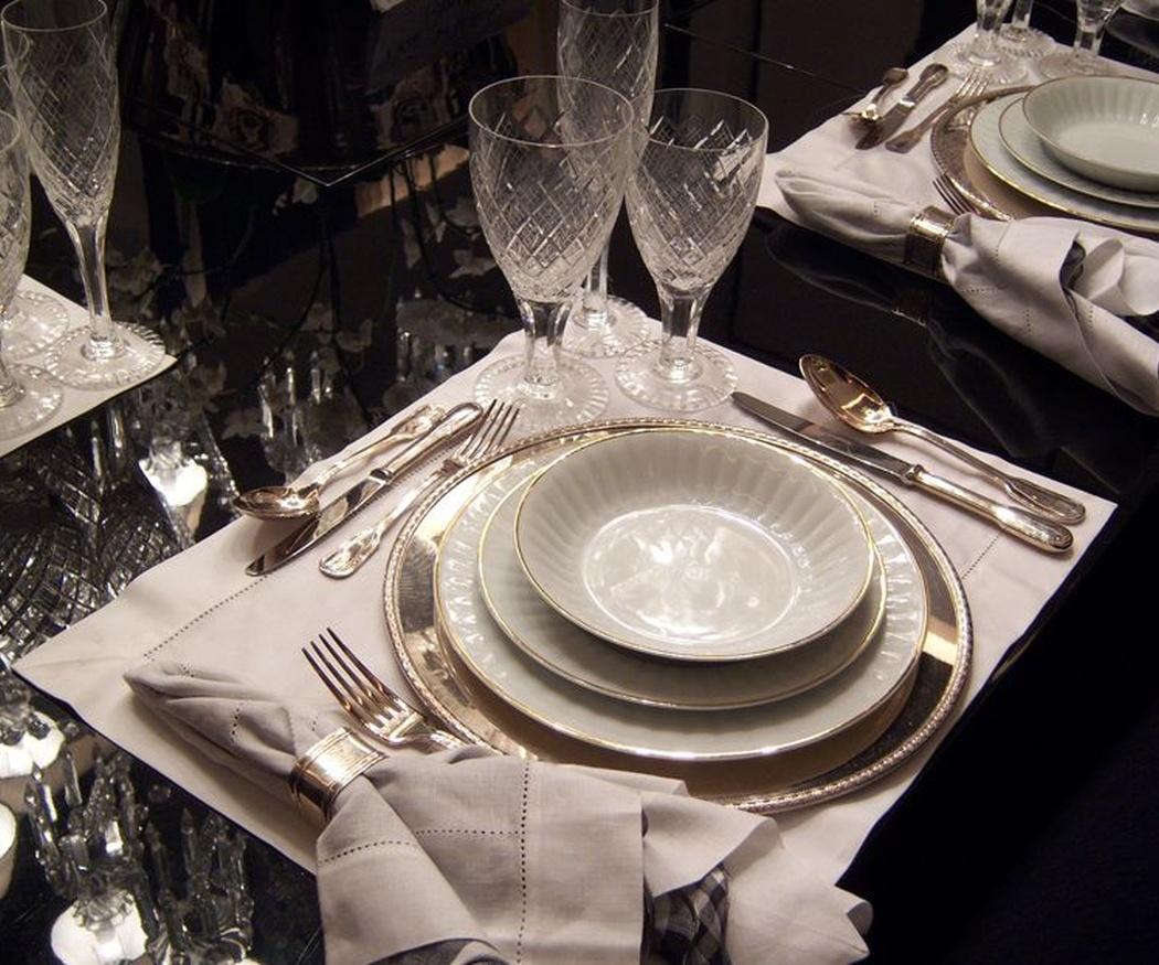 Cómo debemos colocar los cubiertos en la mesa