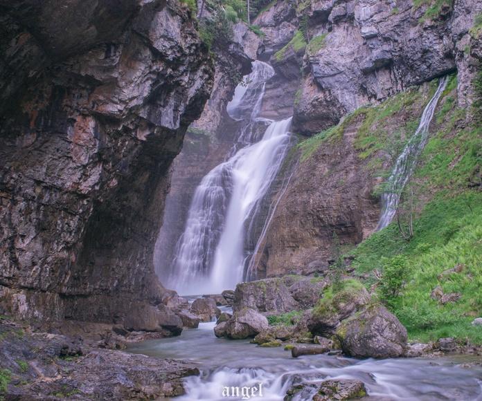 Valle de Ordesa, cascadas de El Estrecho. Fotografía realizada por Ángel Hernández en Julio de 2018.