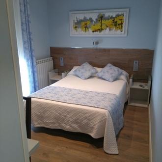 Habitación individual o matrimonial con baño privado.