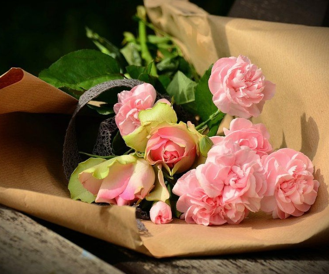Las rosas luminosas