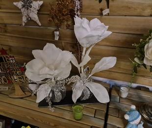 Flor artificial:  Arreglos florales por encargo. Plantas exterior