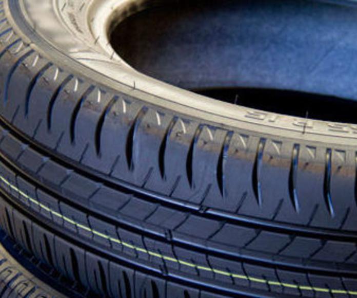 Neumáticos: Servicios de Talleres Jesús Rumoroso