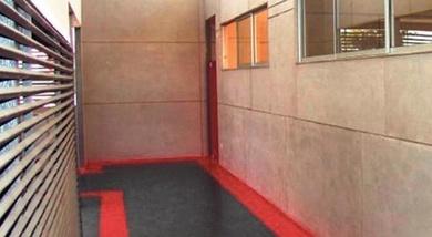 Los paneles que aíslan del ruido y del calor techos y mamposterías