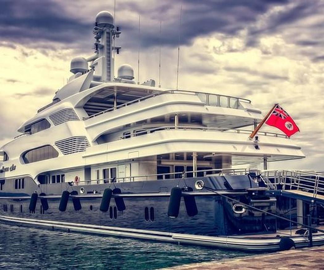 Mantenimiento de embarcaciones con metacrilato
