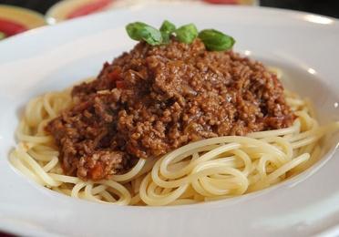 Pasta en salsa boloñesa o italiana
