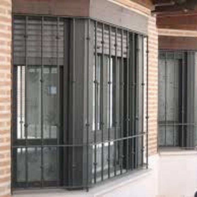 Rejas y barandillas de acero inox y hierro: Servicios de Talleres Gómez Bravo