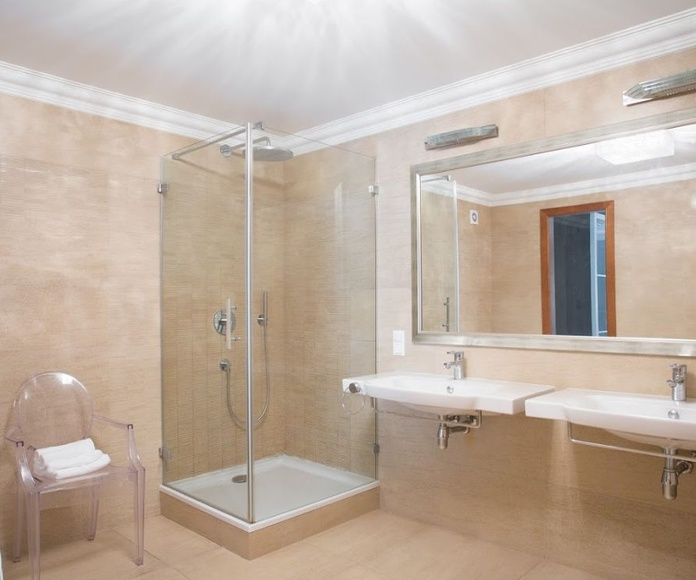 Mamparas de baño: Servicios de Aluminios Tecfuer