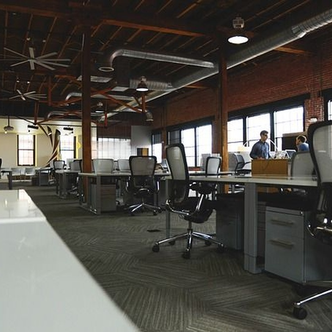 ¿Qué mobiliario necesito en mi oficina?